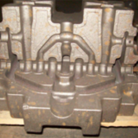 Cleaning cost reduced while achieving high casting precision
